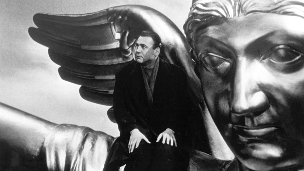 『ベルリン・天使の詩』で鬼才ヴィム・ヴェンダースが見た、天使の正体とは?