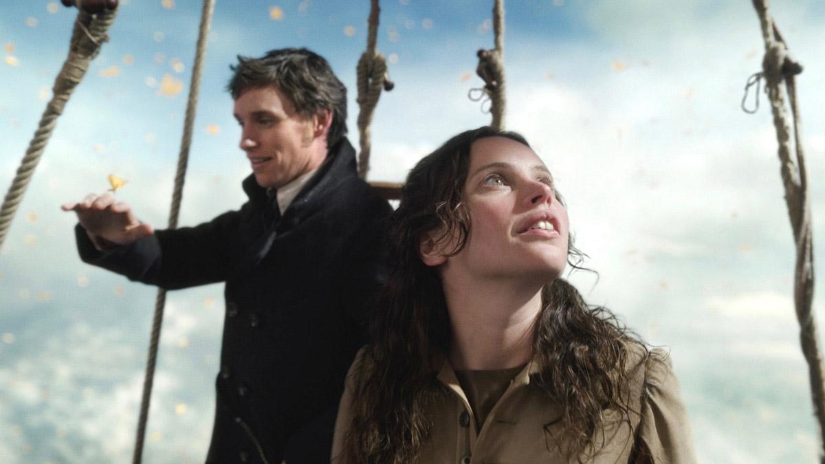 演技も物語も動き続ける――『イントゥ・ザ・スカイ 気球で未来を変えたふたり』が導く、虚空の「二人芝居」
