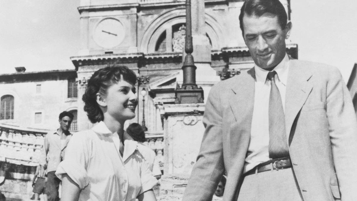『ローマの休日』珠玉のラブロマンスの裏側に隠された、名前を消された脚本家が託したものとは?