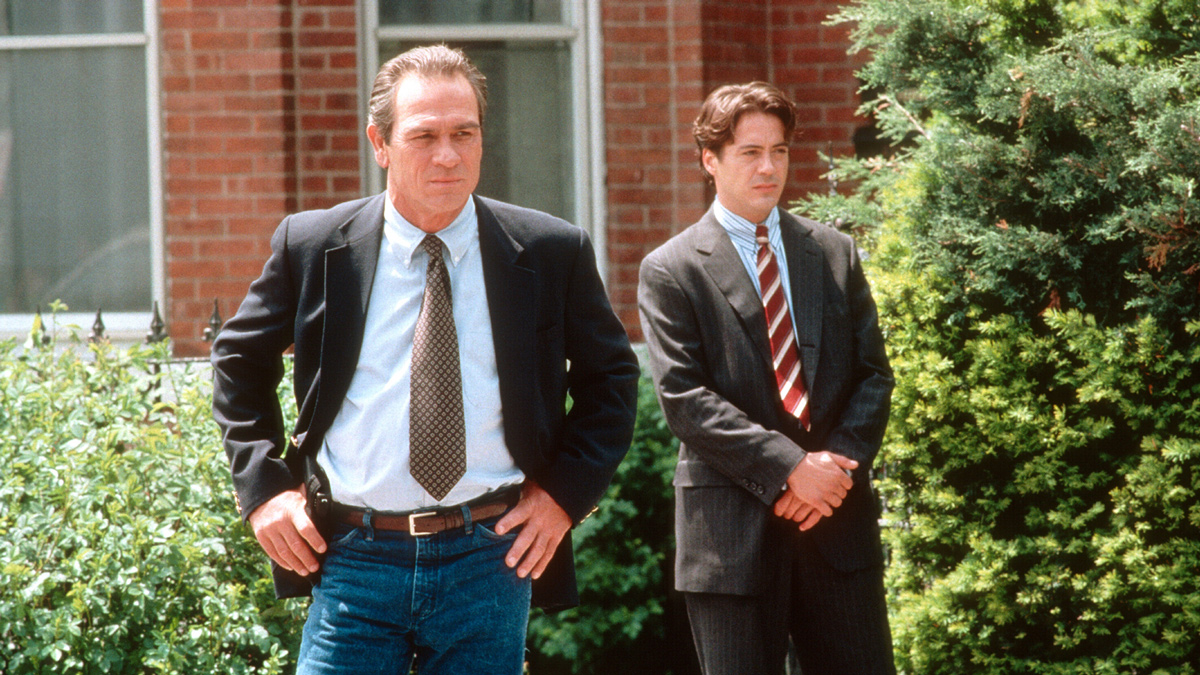 『追跡者』20年以上経った今こそ見直したい、堅物ジョーンズと異端児ダウニーJr揃い踏みアクション