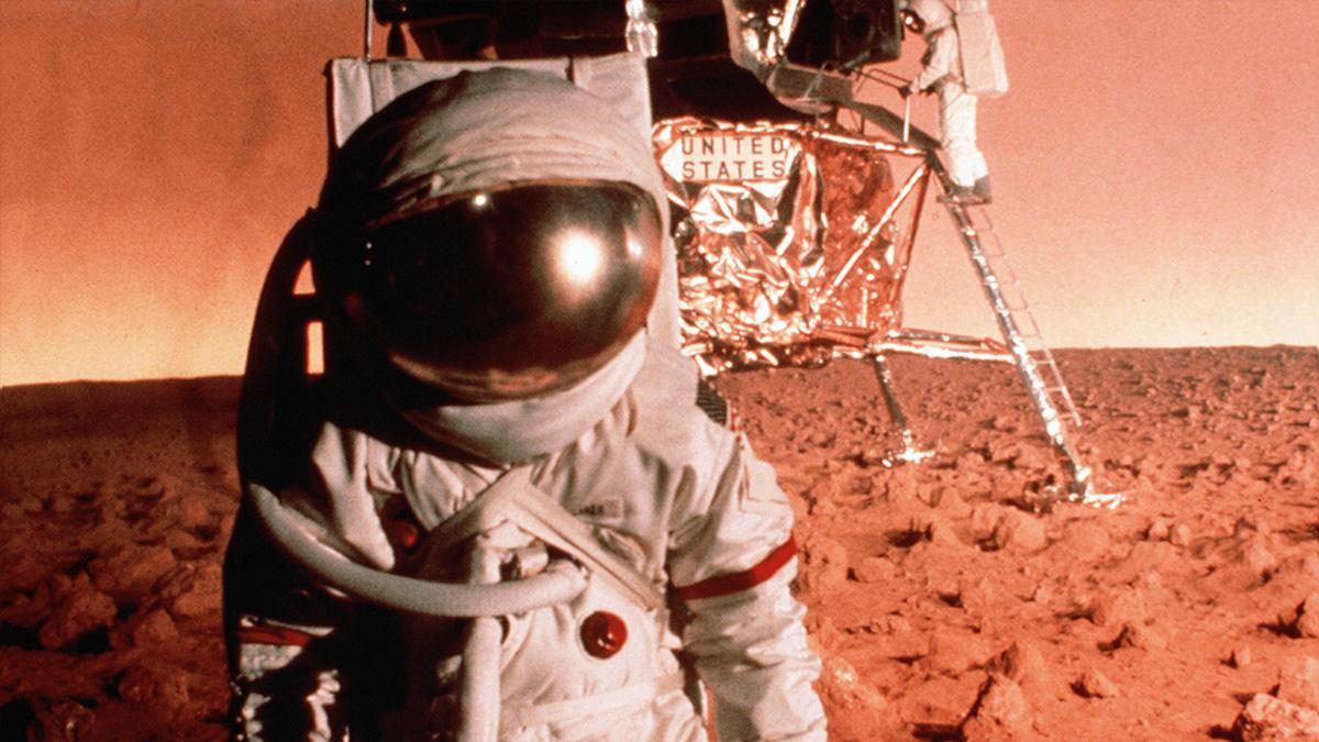 『カプリコン・1』あの大物監督もNASAに加担した!?陰謀の宇宙映画史